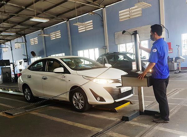 Đà Nẵng: Không cấp chứng nhận kiểm định cho ô tô lắp còi hơi, còi âm lượng lớn, đèn chiếu sáng xanh trái quy định