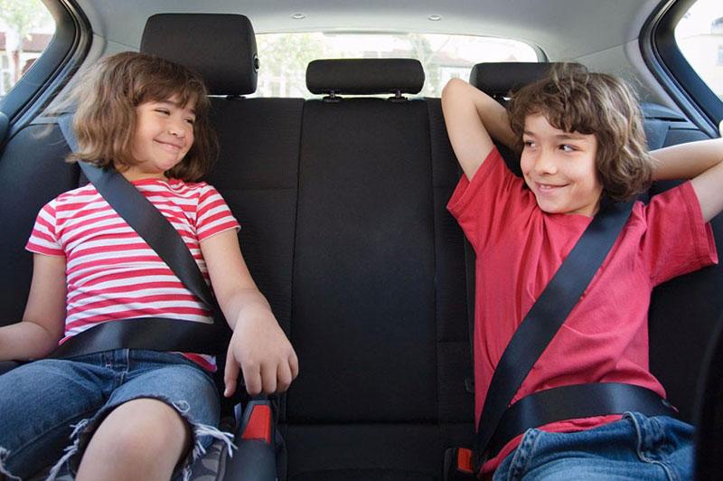 """Top 10 nguyên tắc """"sống còn"""" khi trên xe có trẻ nhỏ"""