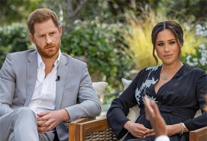 Cư dân mạng phản ứng kịch liệt trước cuộc phỏng vấn Meghan - Harry: Người bênh vực, kẻ chỉ trích vì nghi ngờ tạo drama - Ảnh 2.