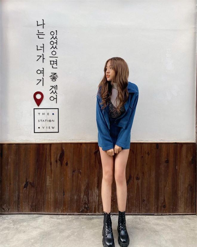 Hot girl trứng rán tiết lộ có đôi chân dài đến 1m13, thế này là ăn đứt cả siêu mẫu Thanh Hằng rồi - Ảnh 3.