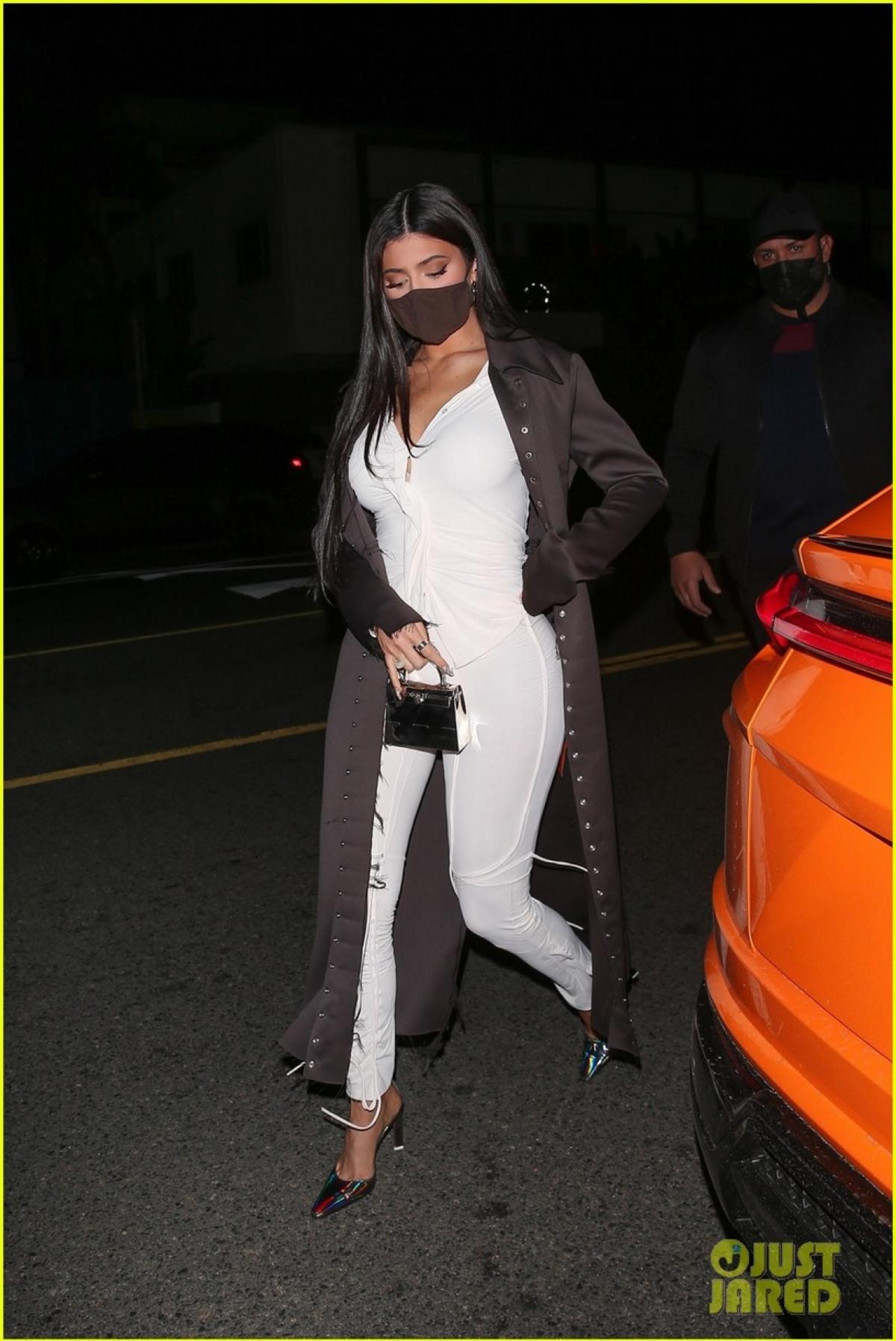Cũng giống như Kendall Jenner, Kylie sở hữu gương mặt xinh đẹp và gu thời trang ấn tượng.