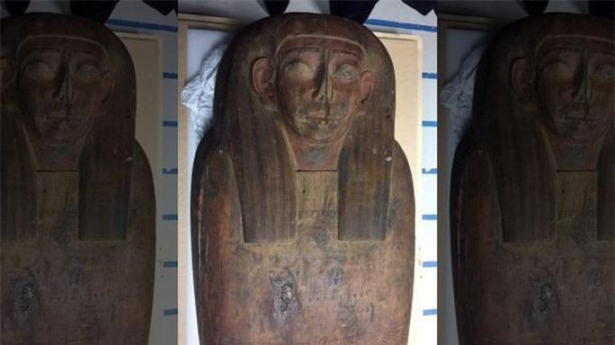 Mở quan tài rỗng trong bảo tàng, phát hiện xác ướp 2.600 tuổi - Ảnh 4.