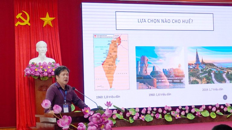 TS. Đàm Quang Minh - Chủ tịch Hội đồng Trường Đại học Phú Xuân phát biểu tại Hội nghị