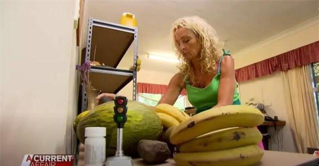 Ăn trái cây suốt 30 năm để giảm cân, người phụ nữ không ngờ mình nhận được kết cục này! - Ảnh 1.