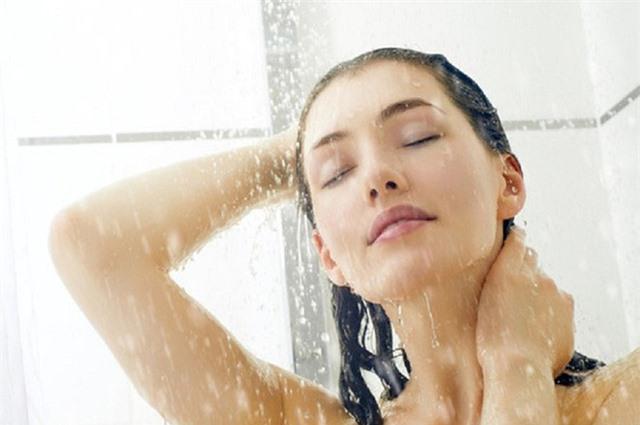 Đây đích thị là 5 thói quen tắm bạn không nên tiếp diễn hằng ngày nữa, nghe lý do cũng đủ khiếp sợ - Ảnh 1.
