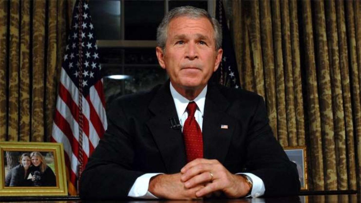 George W. Bush (1946- ): Ông là Tổng thống có tỷ lệ ủng hộ cao nhất và thấp nhất lịch sử với các con số lần lượt là 90% sau vụ 11/9/2001 và 25% ngay trước cuộc bầu cử năm 2008.