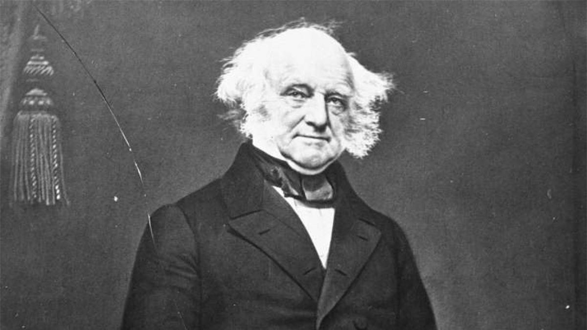 """Martin Van Buren (1782-1862): Từ """"OK"""" phổ biến ngày nay được cho là xuất phát từ chiến dịch tái tranh cử của Martin Van Buren vào năm 1840. Ông Van Buren có một biệt danh là Old Kinderhook bởi ông sinh ra ở Kinderhook, New York. Những người ủng hộ ông vì thế thường sử dụng cách viết tắt của cái tên này là OK trong suốt chiến dịch vận động tranh cử."""