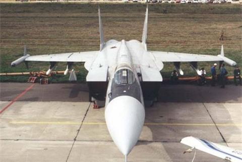 Tai sao NATO vui mung khi Nga bo sieu tiem kich MiG-31M?