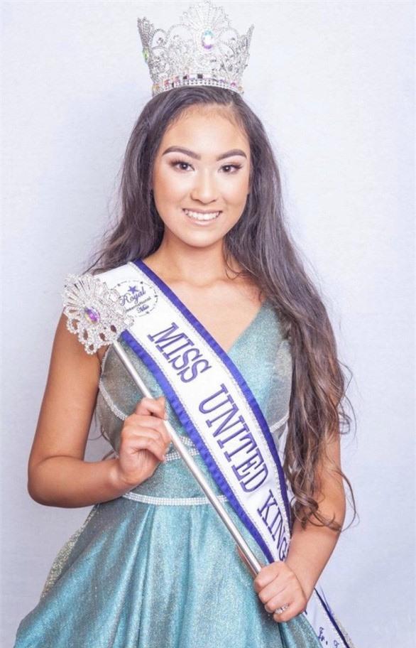 Thiếu nữ 16 tuổi gốc Việt đăng quang cuộc thi sắc đẹp ở Anh - ảnh 1