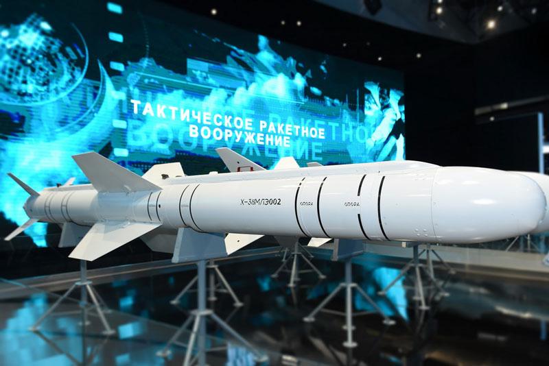 UAV Thunder của Nga sẽ được trang bị tên lửa hủy diệt Kh-38.