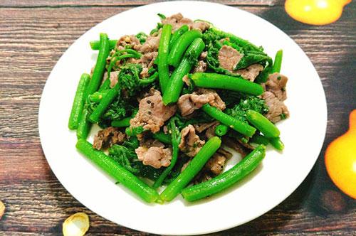 Cách nấu món rau bí xào thịt bò chuẩn vị không bị xơ và dai
