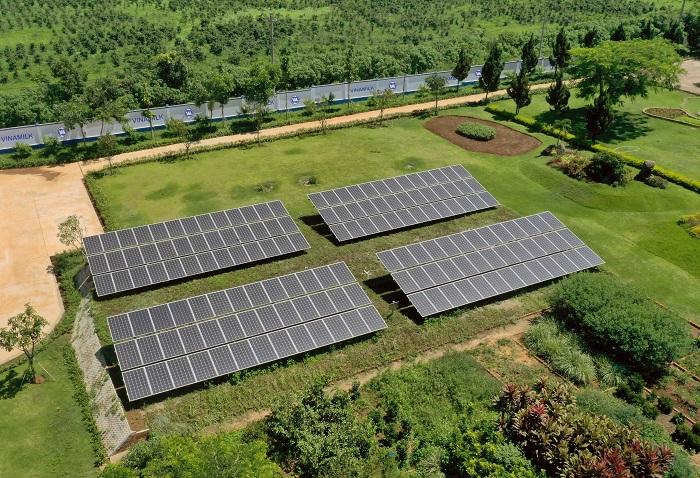 Hệ thống năng lượng mặt trời tại trang trại Vinamilk Organic Đà Lạt tiết kiệm điện năng hiệu quả.
