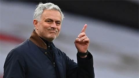 Mourinho: 'Đó là hành vi sỉ nhục phạt đền'