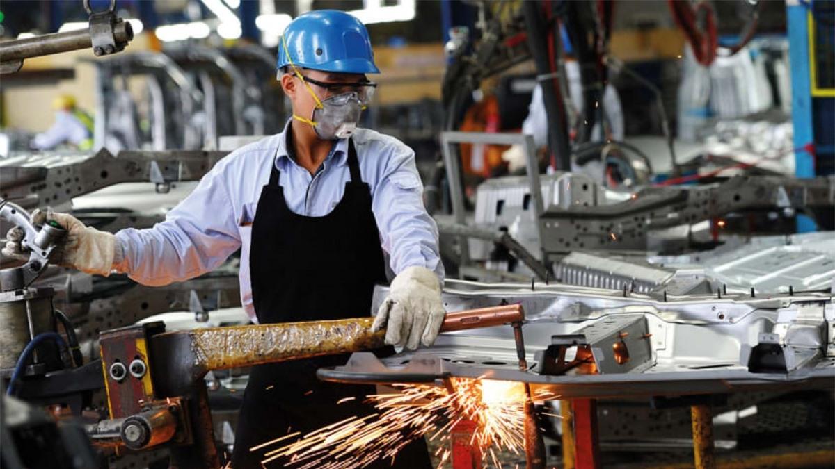 Kinh tế Việt Nam đang trong quá trình công nghiệp hóa. (Ảnh:Hoang Dinh Nam/AFP)