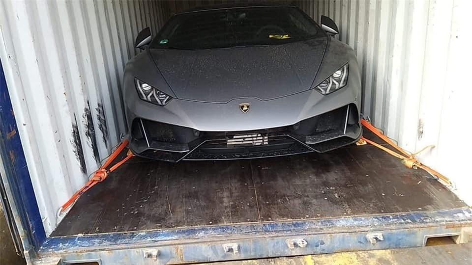 Nhiều siêu xe hàng độc sắp cập bến Việt Nam