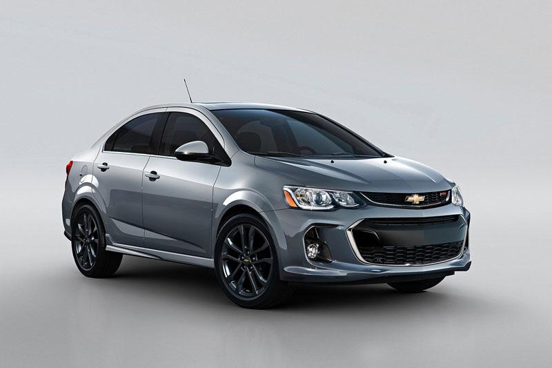 10. Chevrolet Sonic Sedan (giá khởi điểm: 16.720 USD).