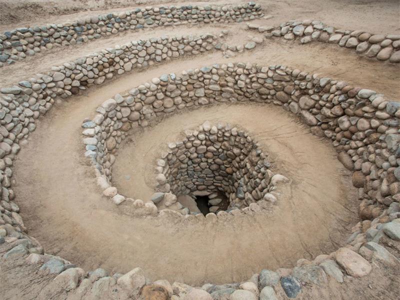 Giải mã bí ẩn trên sa mạc Nazca từ vũ trụ