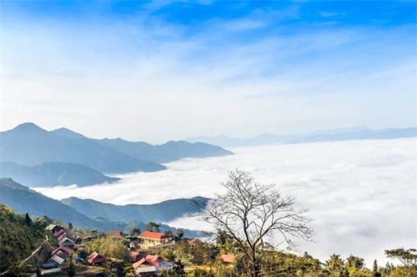 'Đà Lạt' nơi miền Tây Bắc: Đón tia nắng lọt, hứng dòng mây luồn