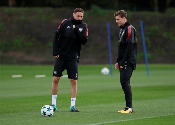 Matic và Lindelof vẫn đang thường xuyên ra sân cho MU