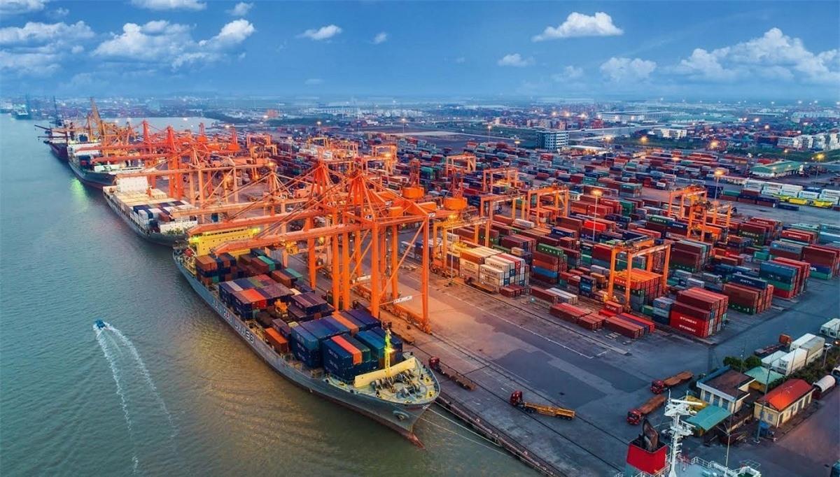 Tính đến hết 15/3, Việt Nam đã xuất siêu 1,81 tỷ USD (Ảnh minh họa: KT)
