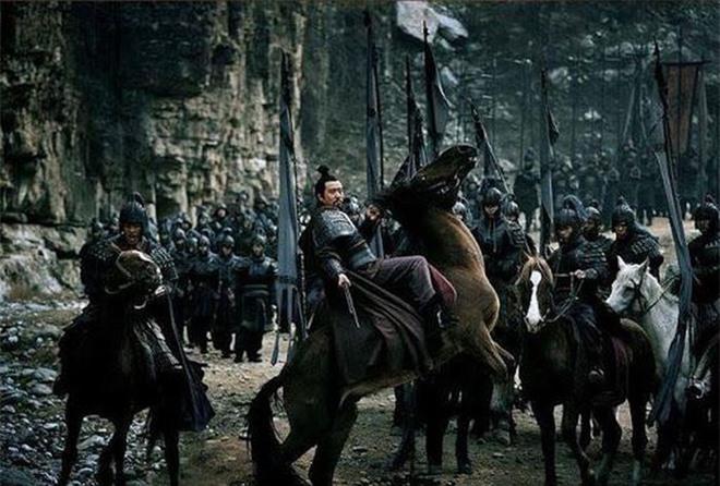 Chứng kiến mãnh tướng của mình bỏ Thục hàng Tào, Lưu Bị không ngờ đã dùng cách này để đối xử với con cháu của kẻ phản bội - Ảnh 6.