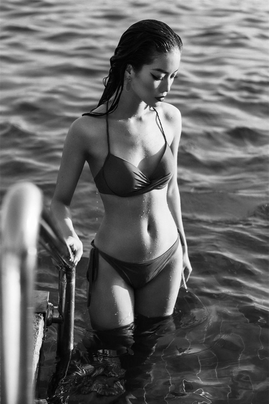 Người đẹp miền Tây của HHVN 2018 Lâm Bích Tuyền khoe dáng nóng bỏng với bikini - ảnh 4