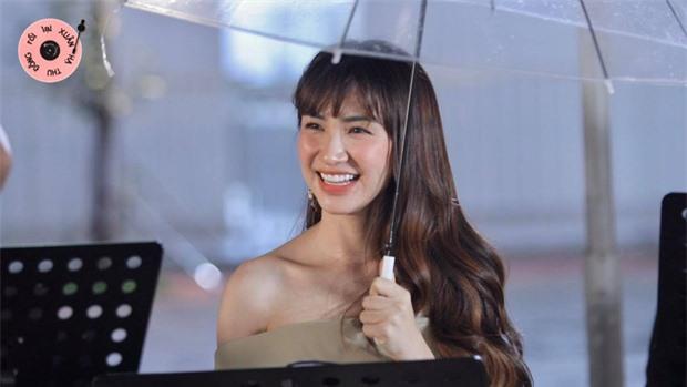 Hòa Minzy khóc nức nở, trời đổ mưa trong tập cuối Xuân Hạ Thu Đông Rồi Lại Xuân - Ảnh 4.
