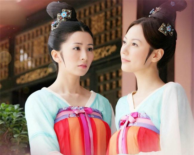 Cung nữ Trung Hoa phong kiến: Thân phận thấp kém, cuộc đời bi ai, chỉ có 2 cái tên may mắn cãi phận - Ảnh 2.