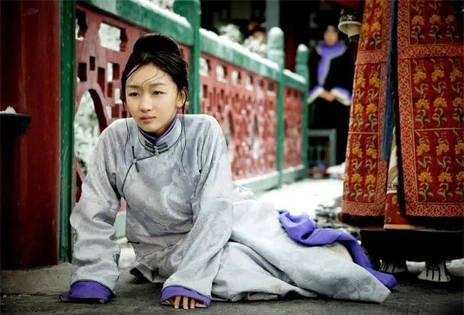 Cung nữ Trung Hoa phong kiến: Thân phận thấp kém, cuộc đời bi ai, chỉ có 2 cái tên may mắn cãi phận - Ảnh 3.