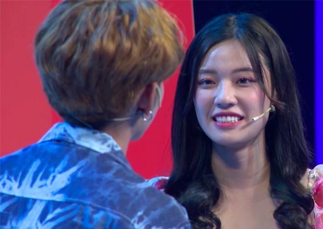 Vừa tìm được bạn gái trên show hẹn hò, bản sao Sơn Tùng M-TP lại lên show khác tỏ tình với Fanny Trần? - Ảnh 3.