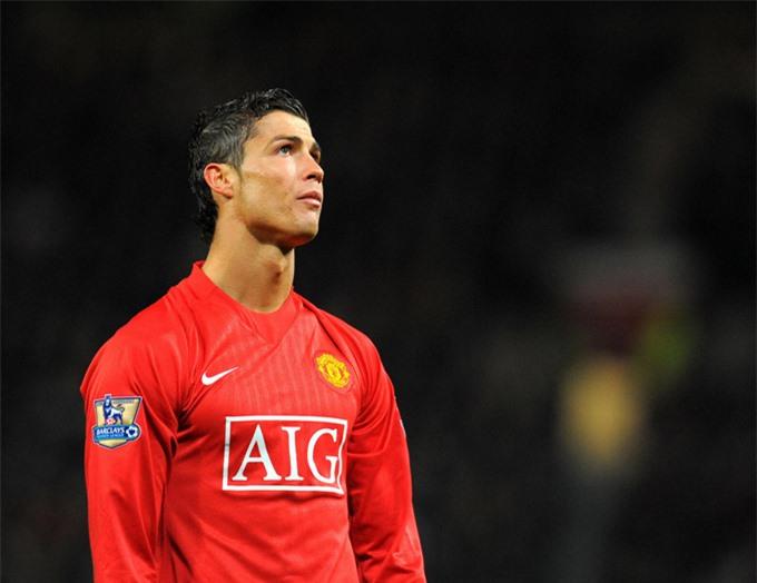 Ronaldo có thể cống hiến nhiều hơn cho MU nếu không sớm sang Real