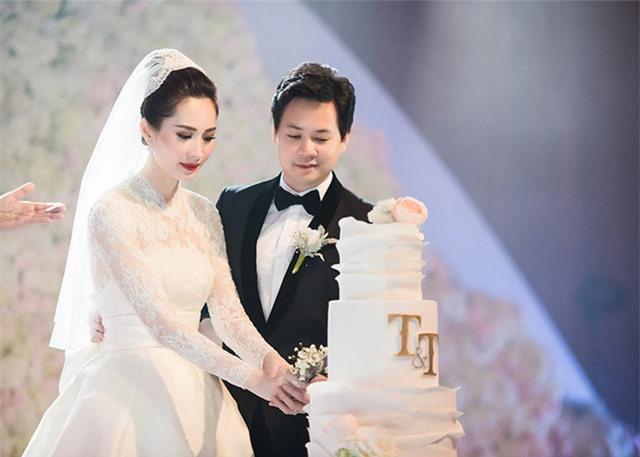 Chùm ảnh Hoa hậu Đặng Thu Thảo xinh đẹp, viên mãn tuổi 30 bên chồng và 2 con - Ảnh 1.