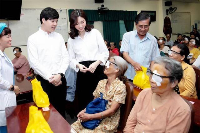 Chùm ảnh Hoa hậu Đặng Thu Thảo xinh đẹp, viên mãn tuổi 30 bên chồng và 2 con - Ảnh 14.