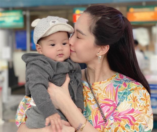 Chùm ảnh Hoa hậu Đặng Thu Thảo xinh đẹp, viên mãn tuổi 30 bên chồng và 2 con - Ảnh 7.