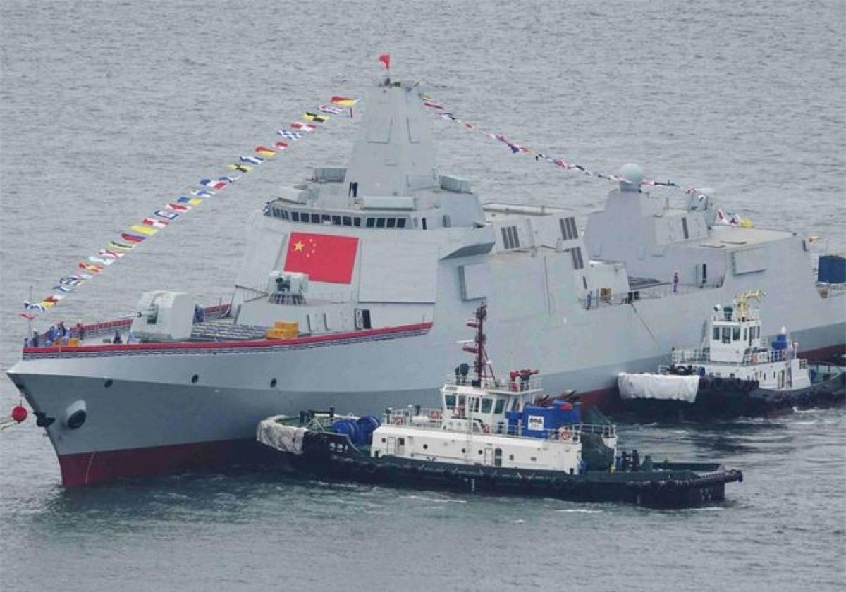 Khu trục hạm Type 055 của Trung Quốc. Ảnh: TNI.