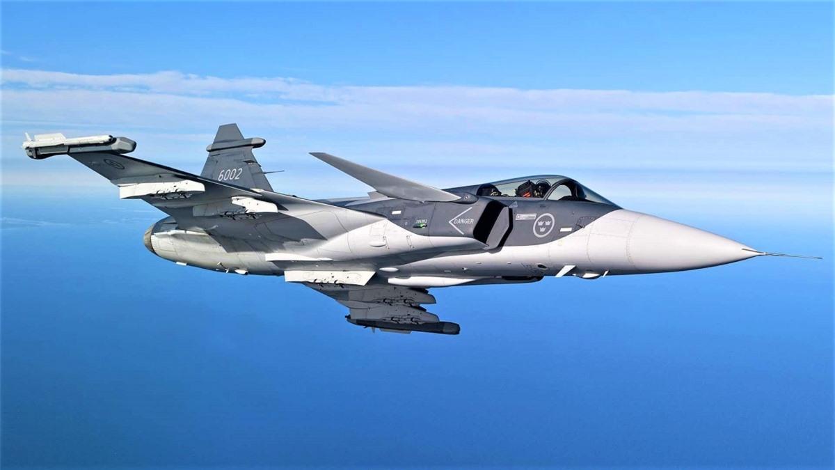 Chiếc JAS 39E Gripen trong chuyến bay thử nghiệm; Nguồn: thedrive.com