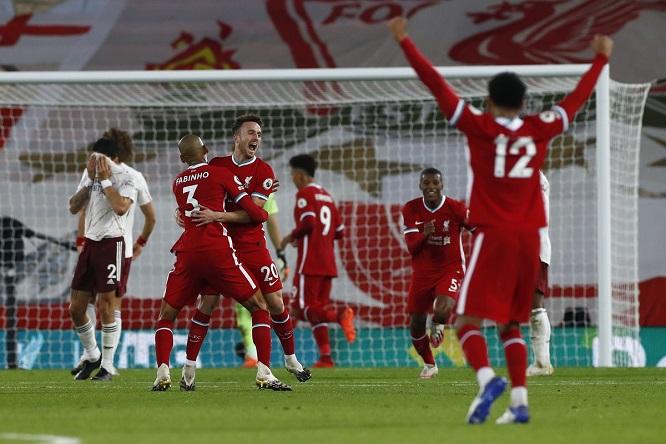 Thầy trò HLV Klopp đang sở hữu chuỗi 3 trận thắng sân khách trên mọi mặt trận, giữ sạch lưới trong cả 3 trận đó
