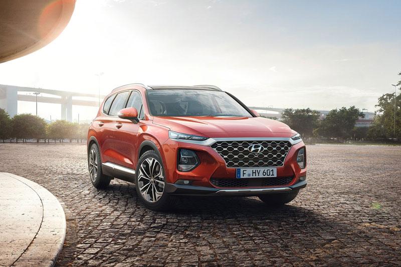 3. Hyundai Santa Fe 2020 (giá khởi điểm: 26.275 USD, điểm tổng thể: 8,5/10).