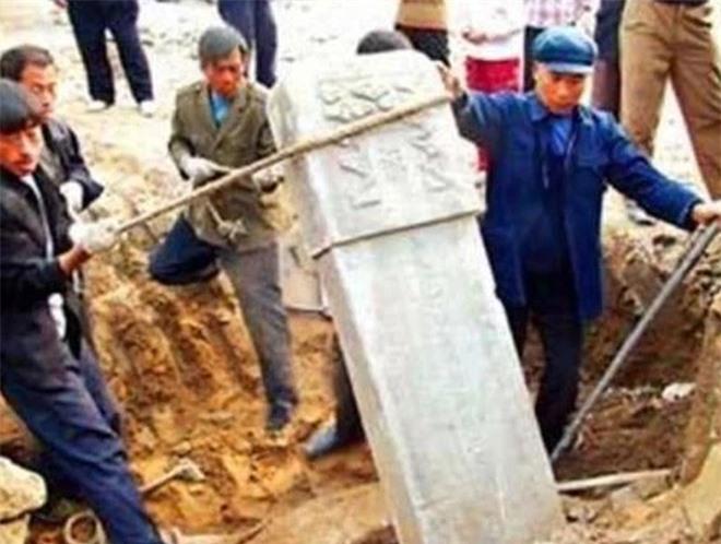 55 năm sau khi chết, mộ của thái giám Lý Liên Anh được khai quật, những gì được tìm thấy bên trong khiến nhiều người kinh ngạc, chưa thể lý giải - Ảnh 4.