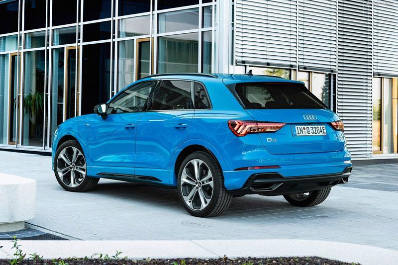 8. Audi Q3 2021 (giá khởi điểm: 36.000 USD, điểm tổng thể: 8,4/10).