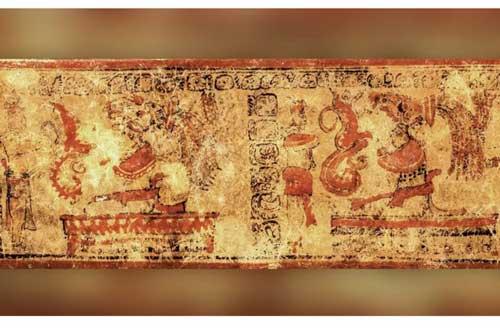 Những chữ tượng hình được tìm thấy ở chân cầu thang đã hé lộ cái chết bí ẩn của việc sử già môi giới quyền lực người Maya cổ đại.