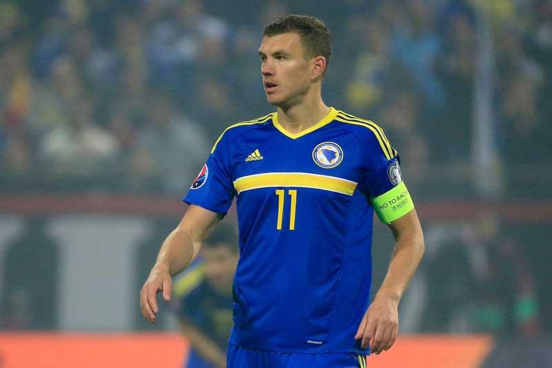 10. Edin Dzeko - ĐT Bosnia (59 bàn/113 trận).