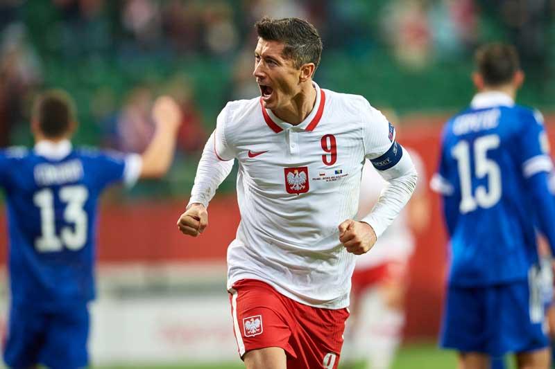 5. Robert Lewandowski - ĐT Ba Lan (66 bàn/118 trận).