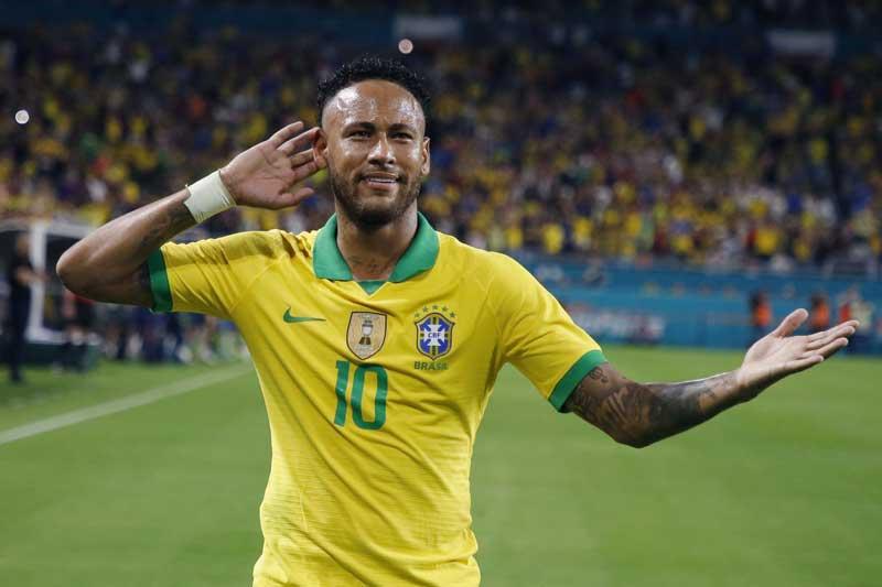 6. Neymar - ĐT Brazil (64 bàn/103 trận).