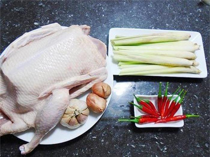 Thịt vịt thơm ngon khi dùng sả để luộc