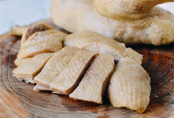 Thịt vịt thơm hơn khi dùng giấm hoặc rượu