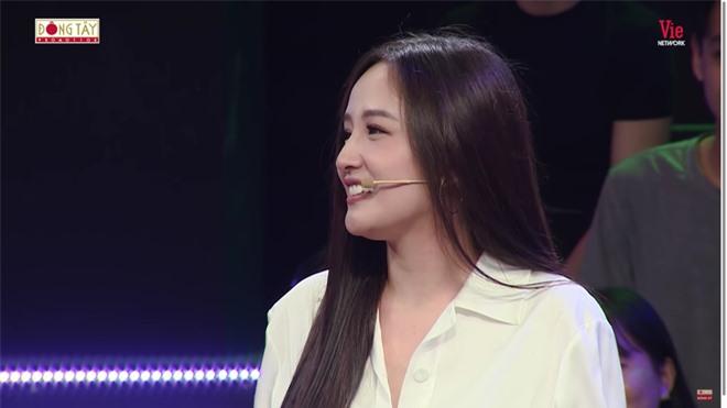 MC Lại Văn Sâm gặp tai nạn, phải xin lỗi khán giả để dẫn tiếp chương trình - Ảnh 3.