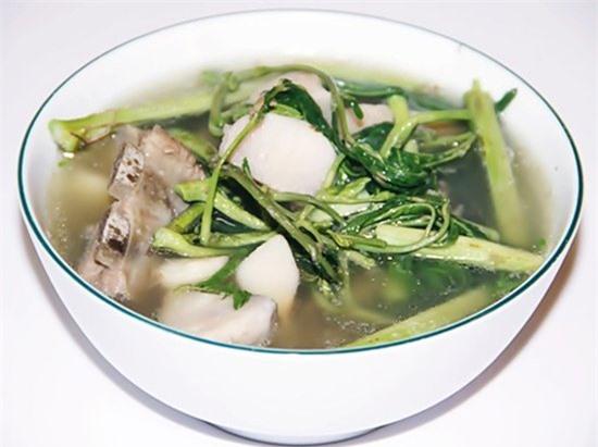 45.cong-thuc-nau-canh-rau-rut-nau-khoai-so-thom-mat-cho-ngay-he-phunutoday.vn