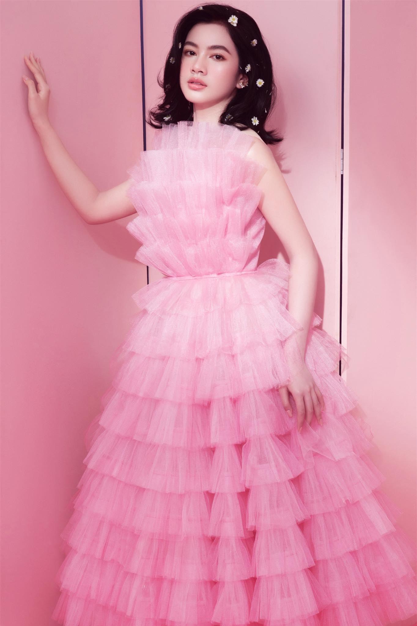 Người đẹp Cẩm Đan diện váy lưới xuyên thấu khoe body gợi cảm ảnh 7