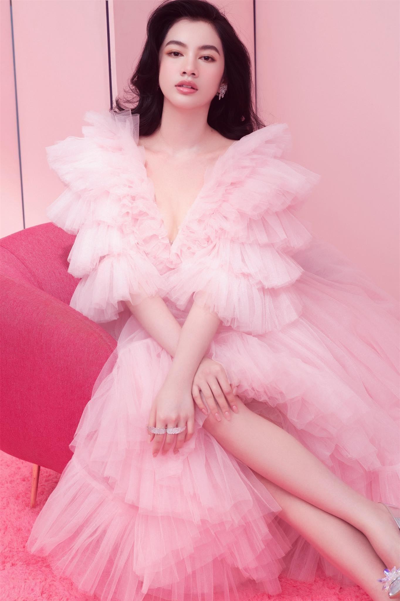 Người đẹp Cẩm Đan diện váy lưới xuyên thấu khoe body gợi cảm ảnh 8